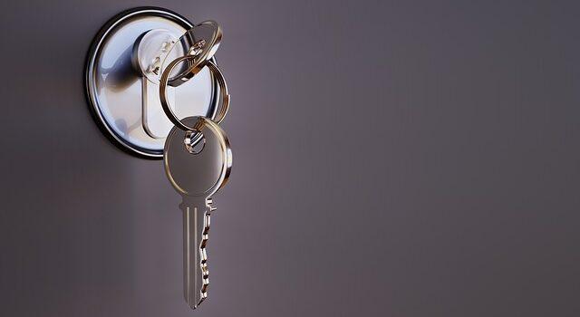 Skal du investerer i fast ejendom eller bo til leje? Sådan tager du beslutningen.